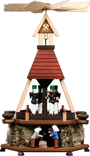Image For 1-tier pyramid miners with cork plateau (43cm/17inch) by Dregeno Seiffen
