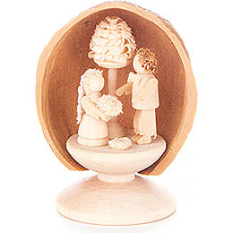 Walnut Shell with Wedding Couple - 5 cm / 2 inch
